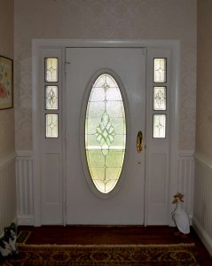 Traditional Grand Entryway Oval and sidelights