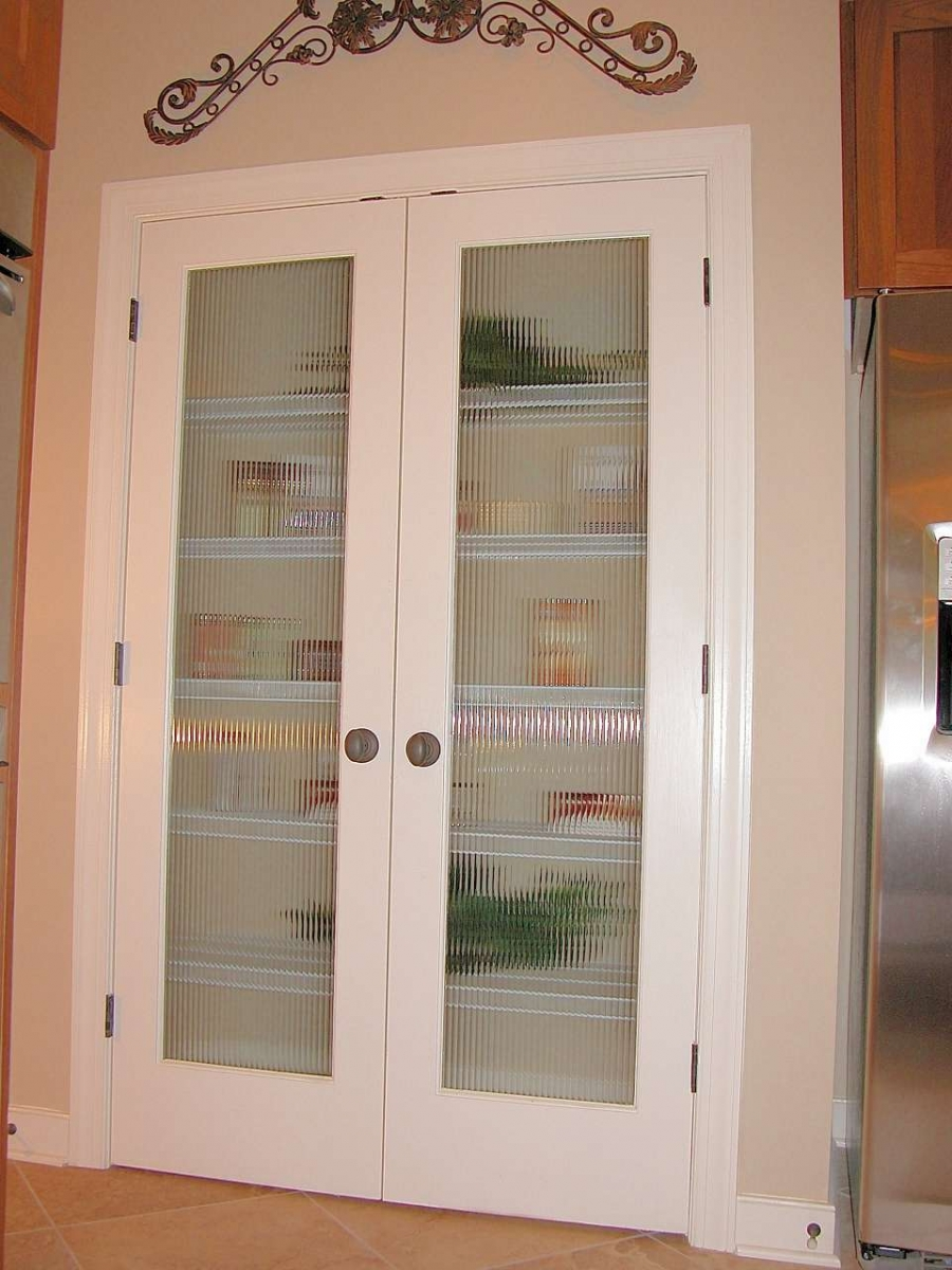 Reeded Pantry Patroits · Sycamore Garage Door